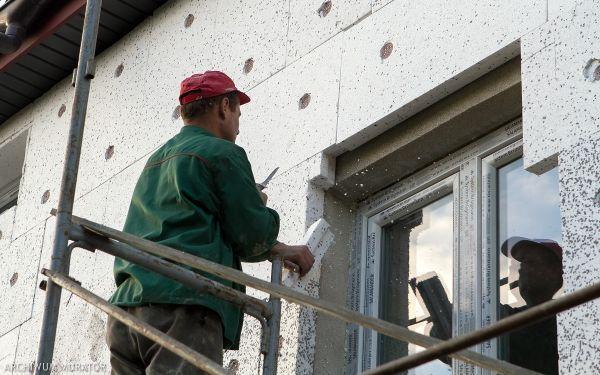 Termomodernizacja budynku rozłożona na etapy - kolejność prac