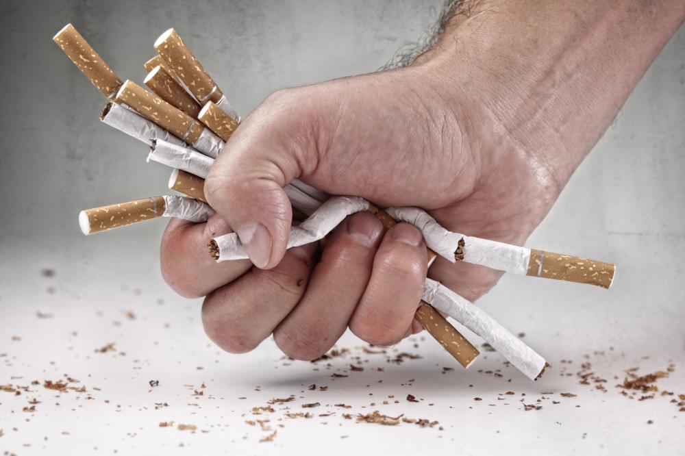 Kilka porad jak rzucić palenie, zanim dziecko zobaczy cię z papierosem