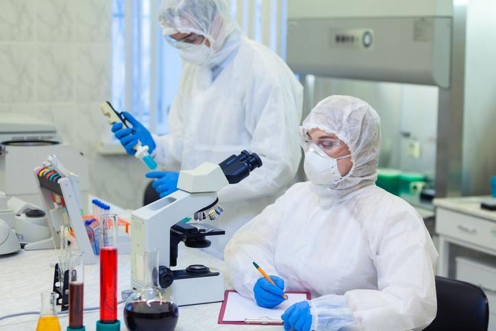 Koronawirus: ten test daje dużą nadzieję. Kiedy pojawi się w Polsce?